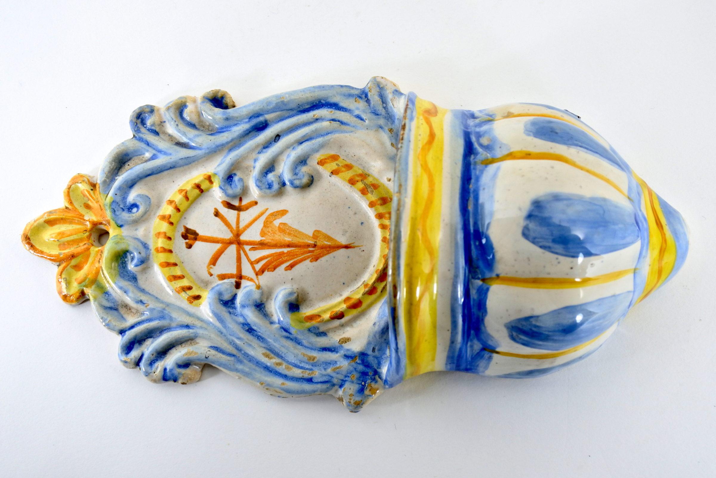 Acquasantiera in ceramica del XIX° secolo - Altezza 24,4 cm - 2
