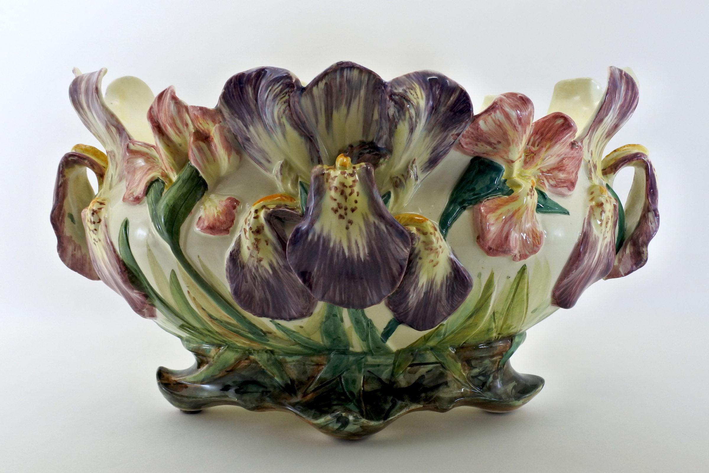 Jardinière Massier in ceramica barbotine con iris - 2