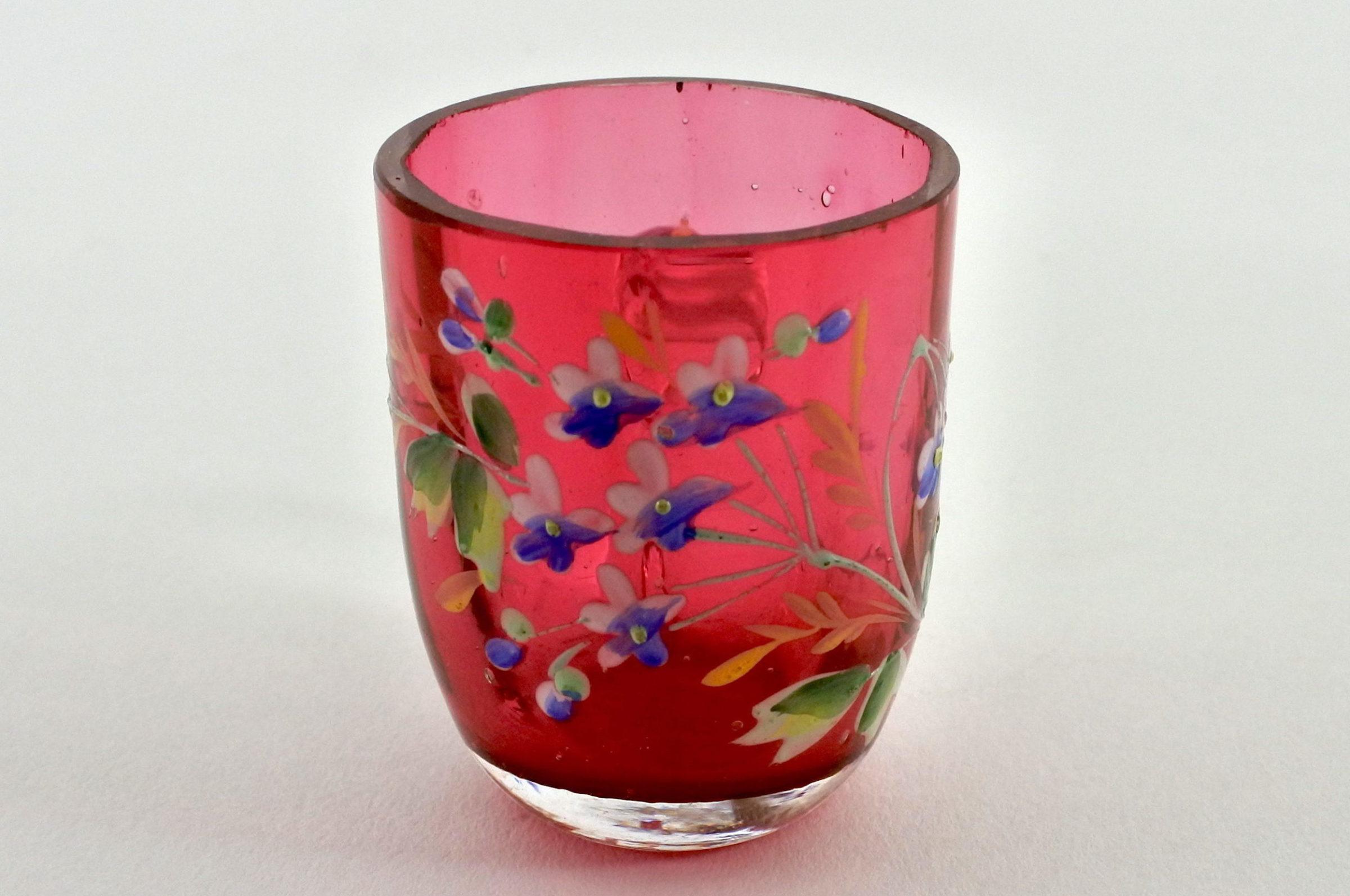 Bicchierino con manico in vetro rosso soffiato e smalti - 2