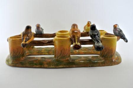 Jardinière Massier in ceramica barbotine con uccellini