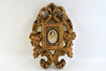 Cornice in legno dorato con miniatura su avorio