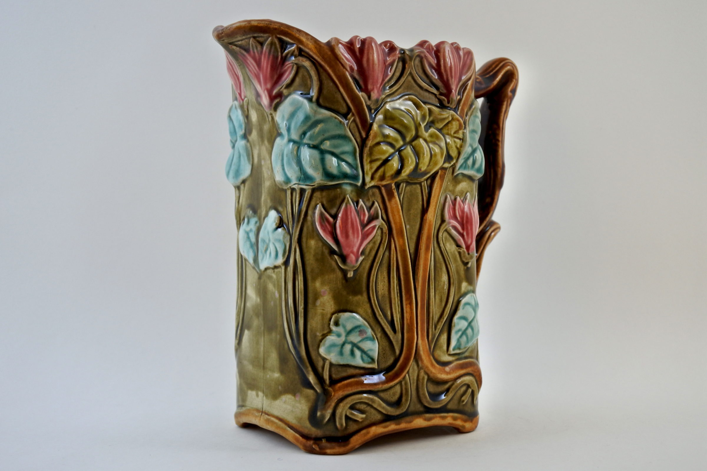 Brocca in ceramica barbotine con ciclamini - Carré cyclamen