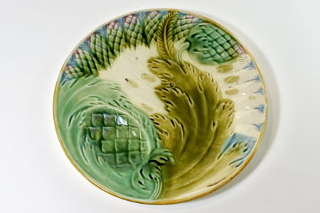 Piatto in ceramica barbotine per asparagi e carciofi - Saint Amand