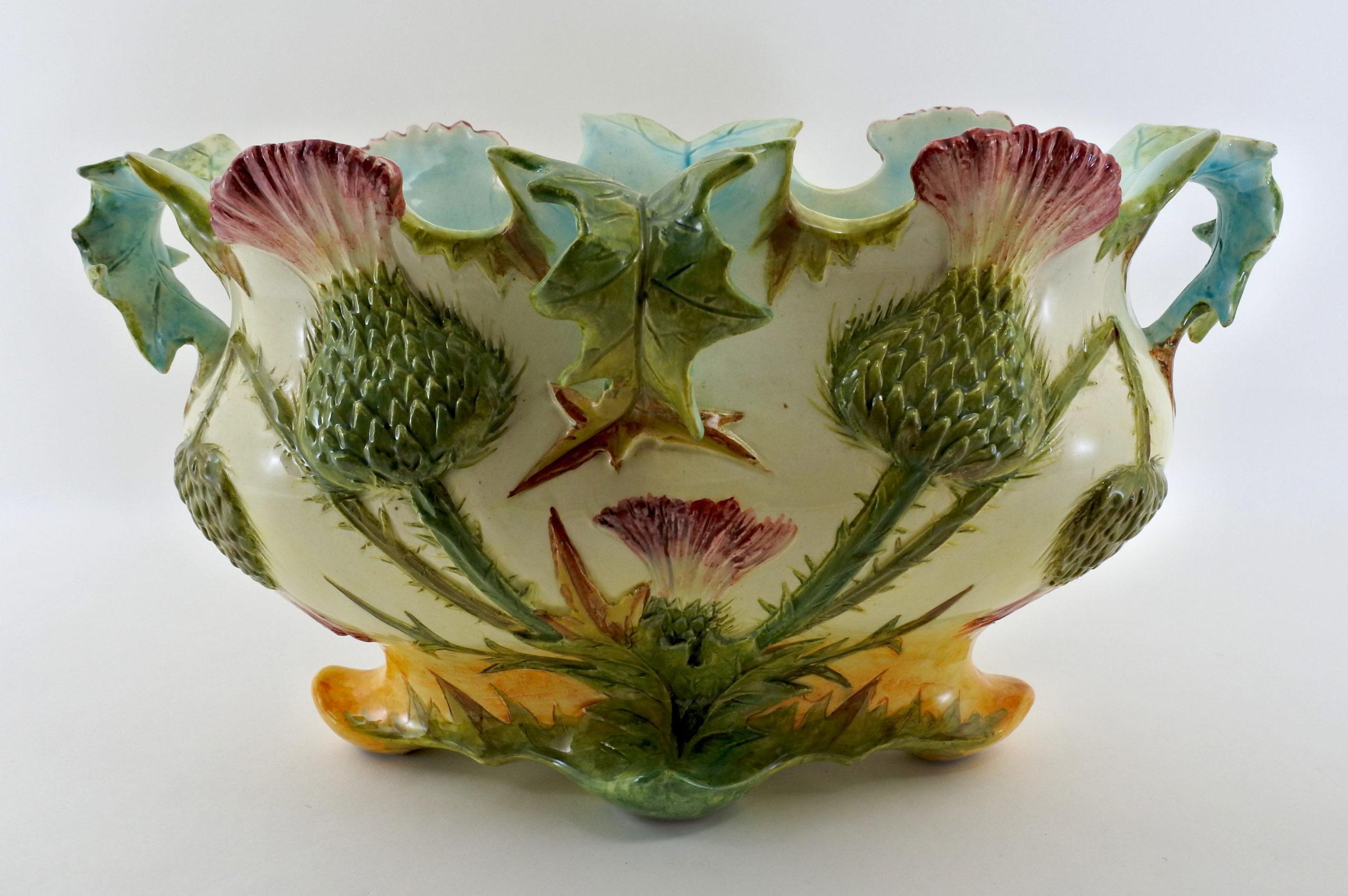 Jardinière Massier in ceramica barbotine con cardi - Chardons