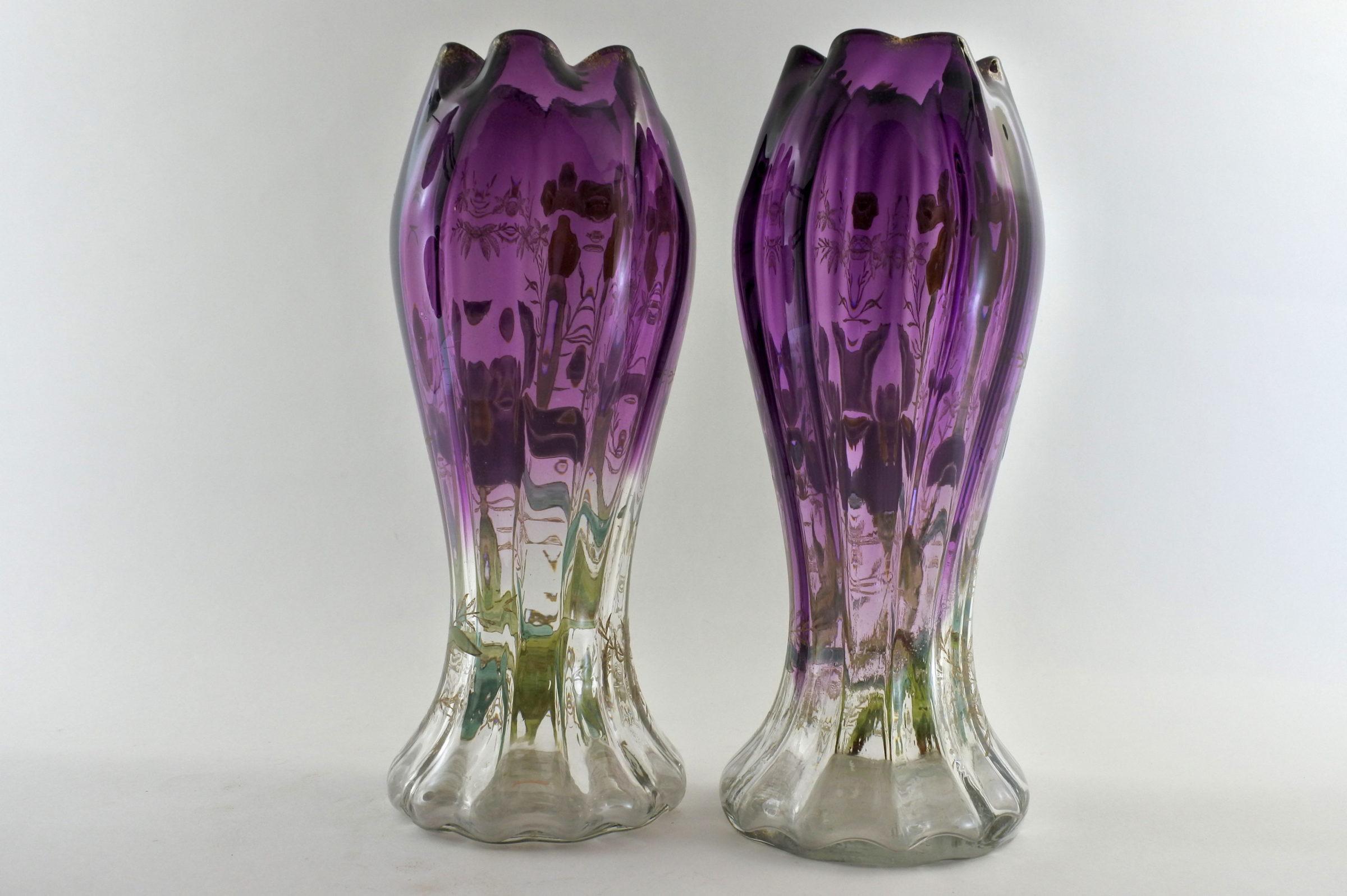 Coppia di vasi Legras in vetro soffiato e smalti con iris - 3
