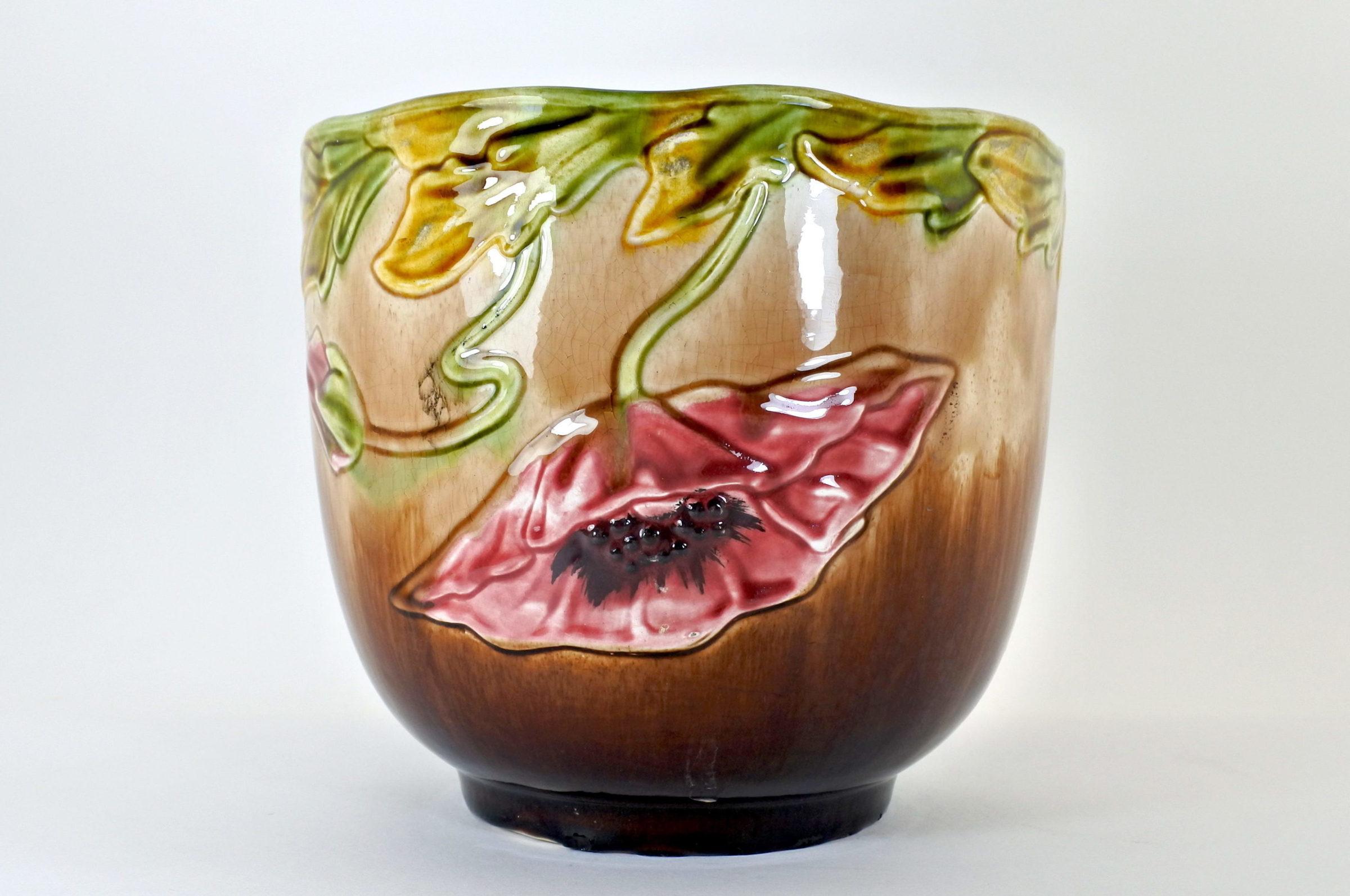 Cache pot in ceramica barbotine con papavero
