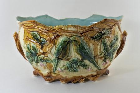 Jardinière in ceramica barbotine con pappagallini