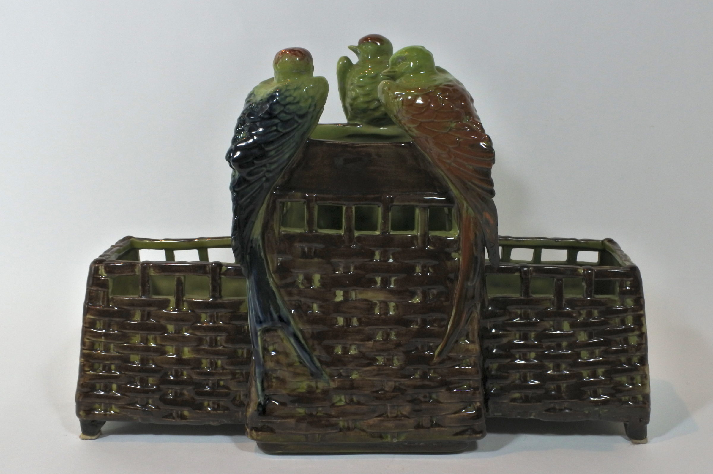 Jardinière in ceramica barbotine con uccellini
