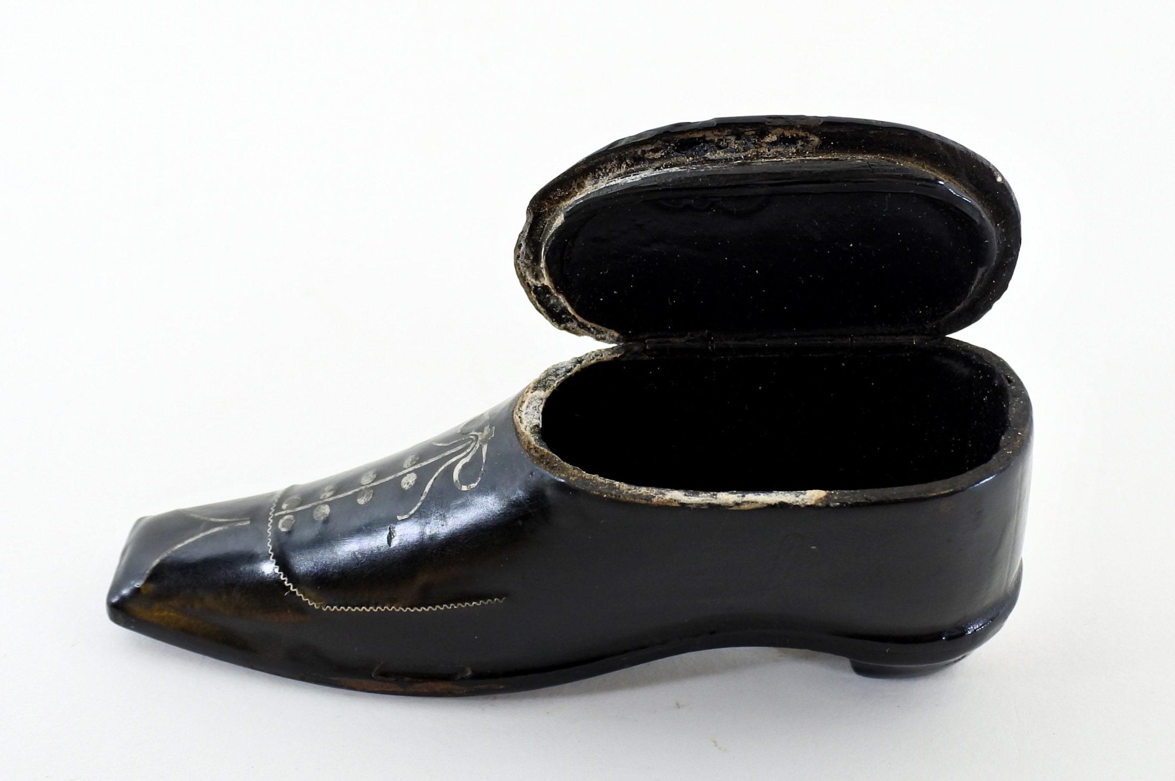 Tabacchiera in papier-mâché e argento a forma di scarpina - 3