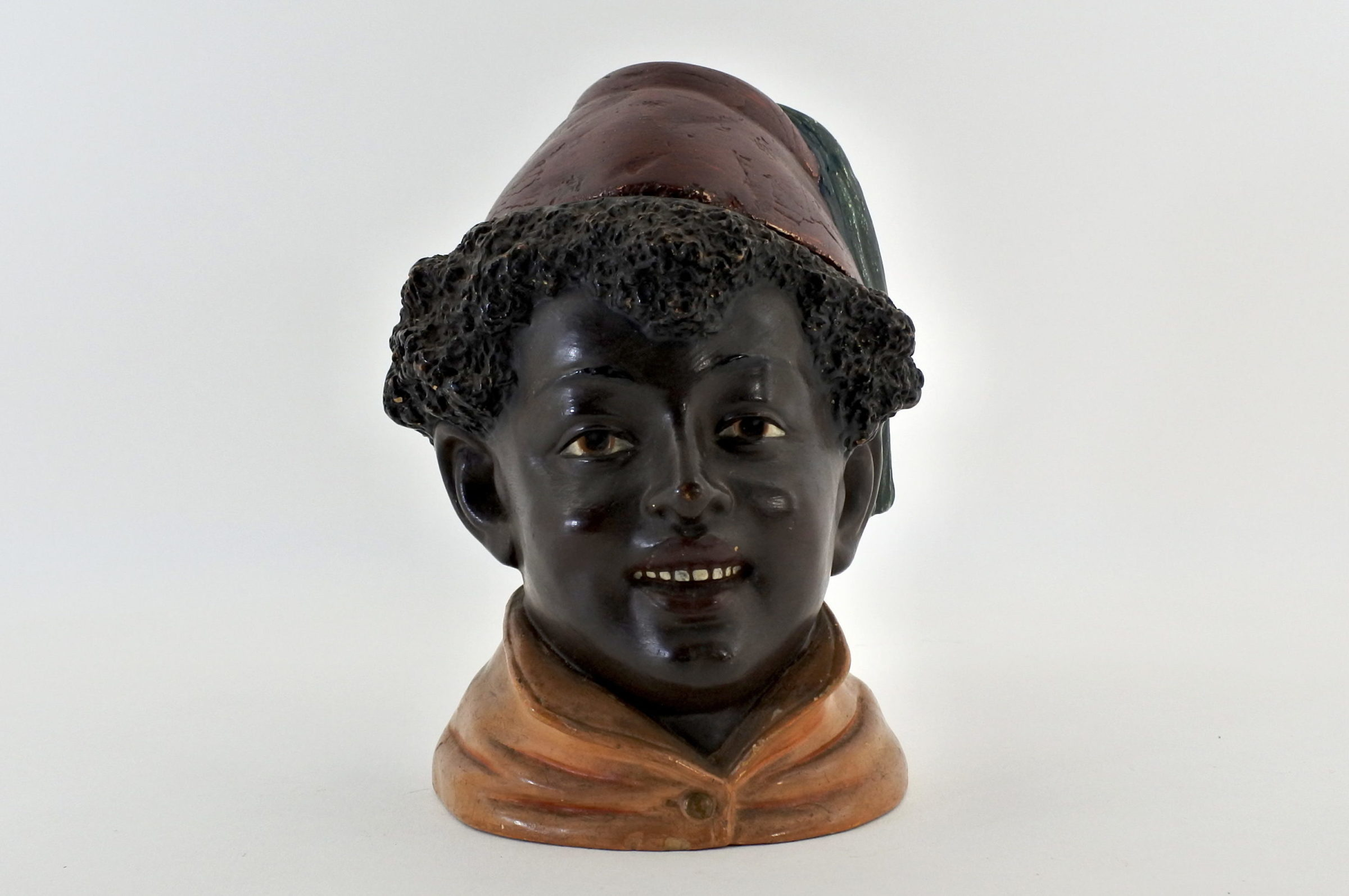 Portatabacco in ceramica rappresentante negretto con fez