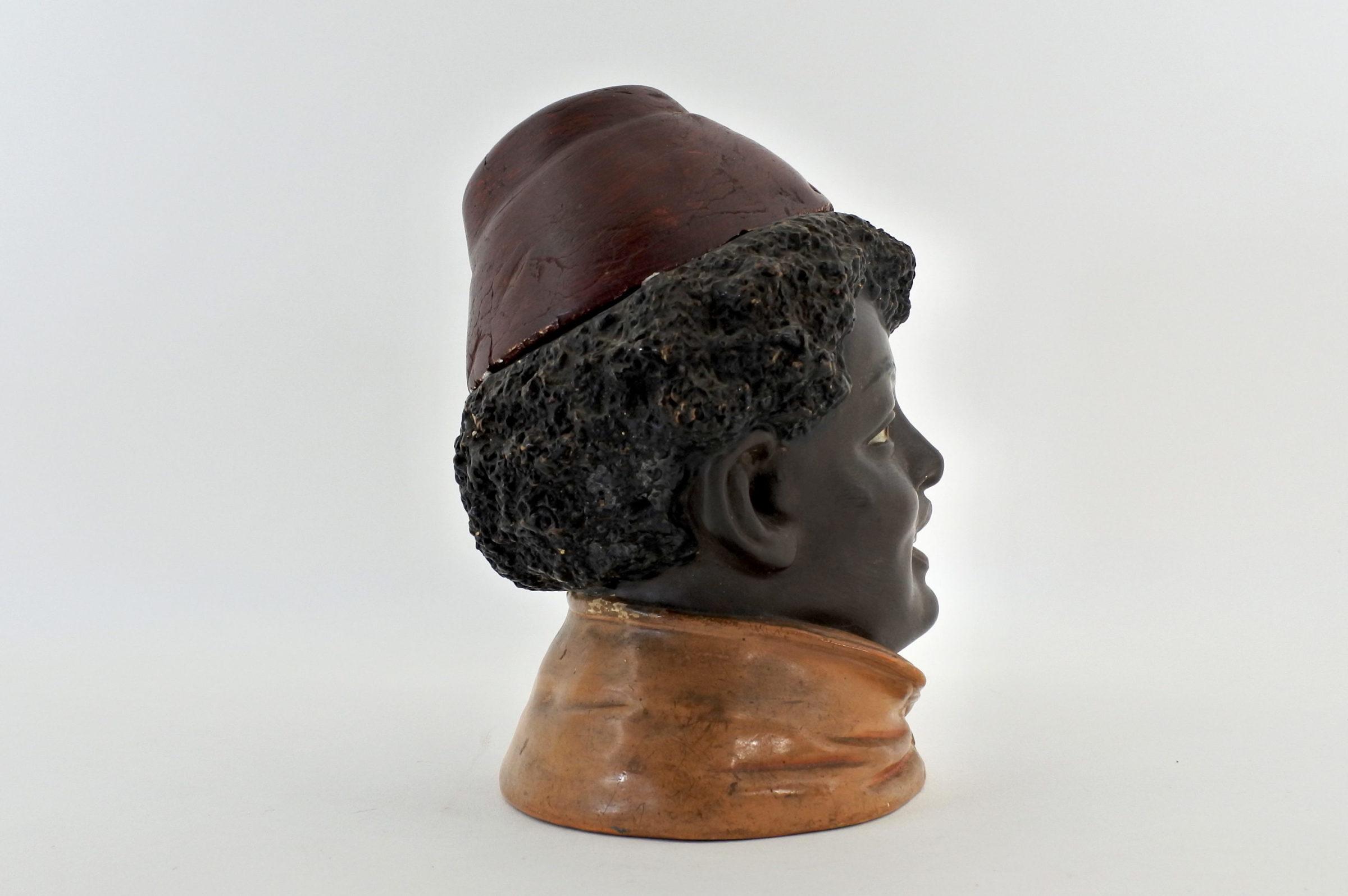 Portatabacco in ceramica rappresentante negretto con fez - 4