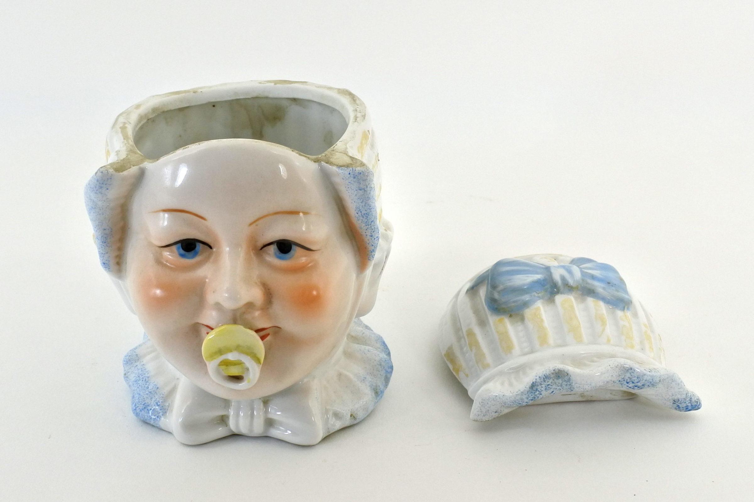 Portatabacco in ceramica rappresentante neonato con ciuccio - 5
