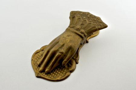 Pinza fogli in bronzo a forma di manina