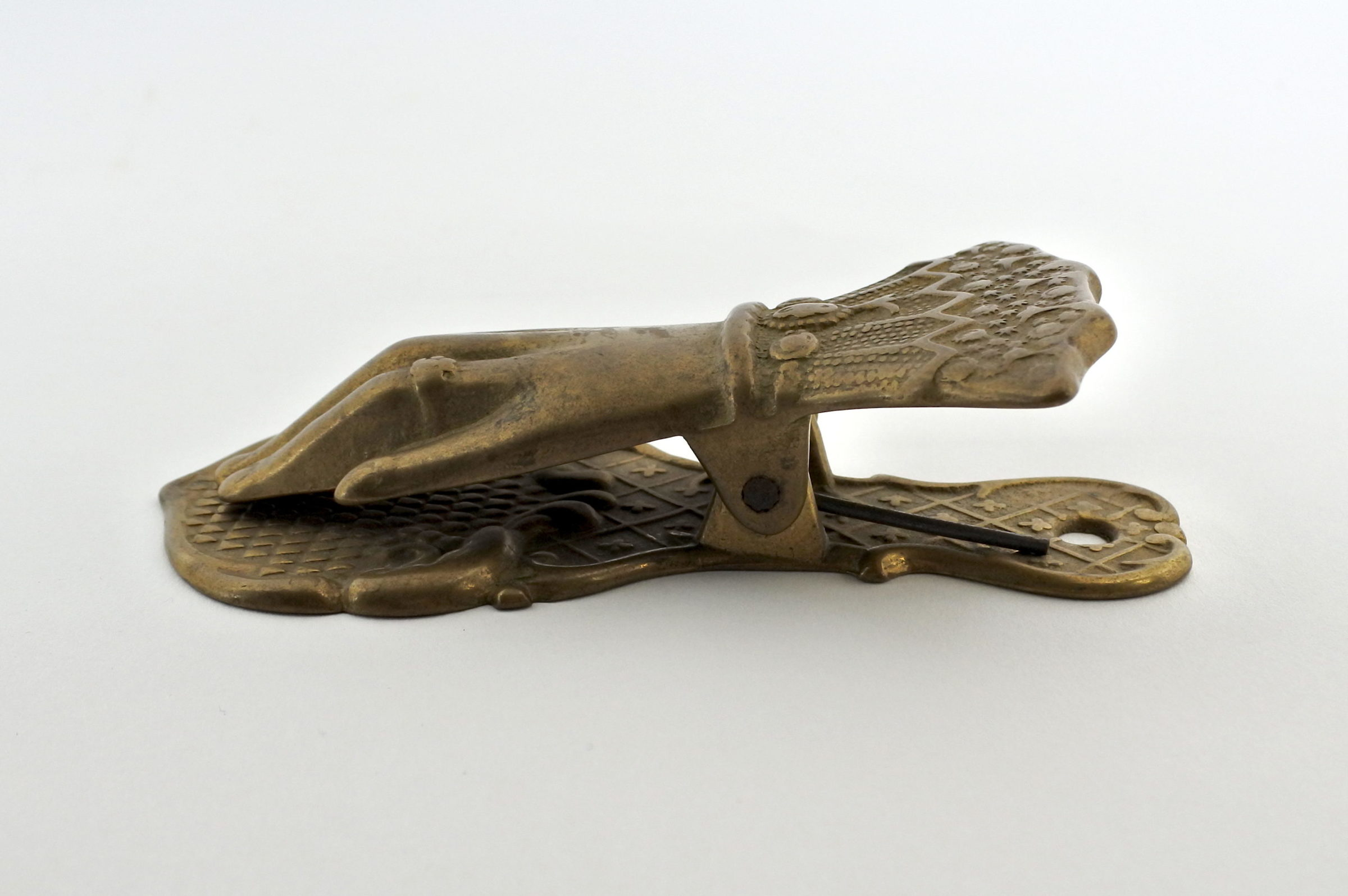 Pinza fogli in bronzo a forma di manina - 2
