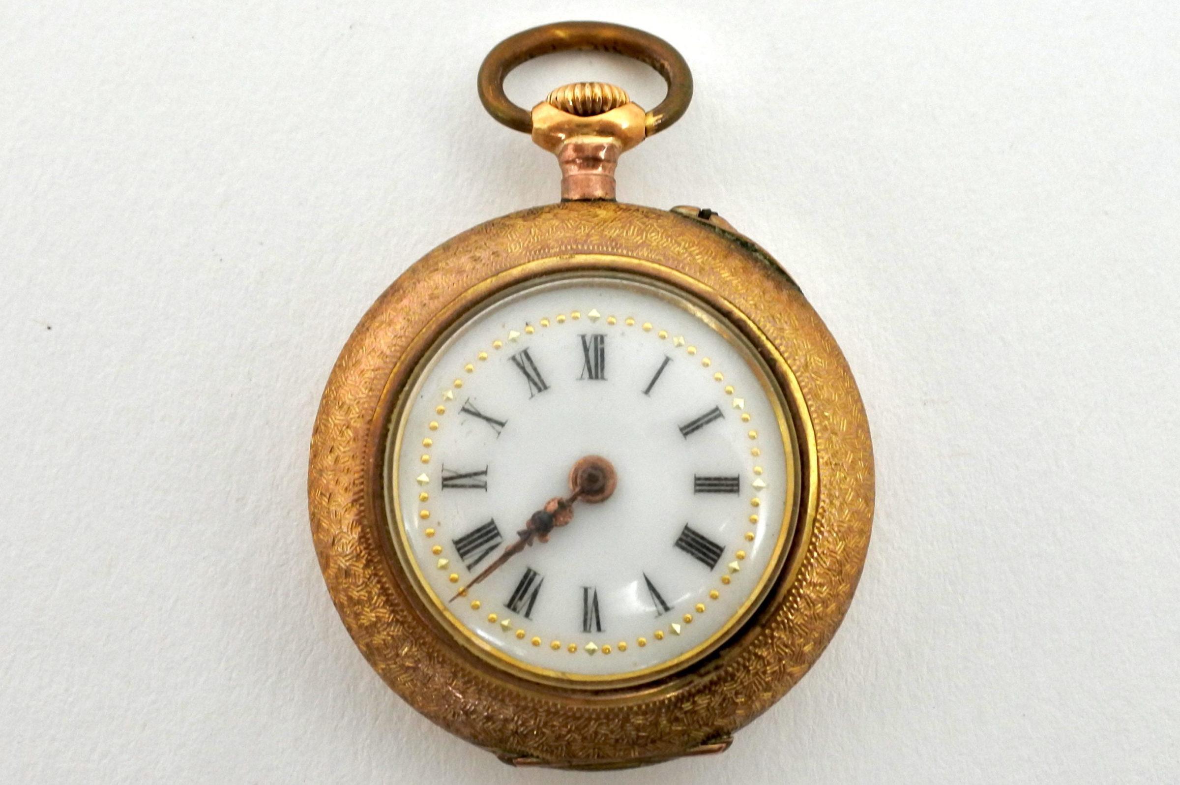 Orologio da tasca – monachina placcata oro e smalti