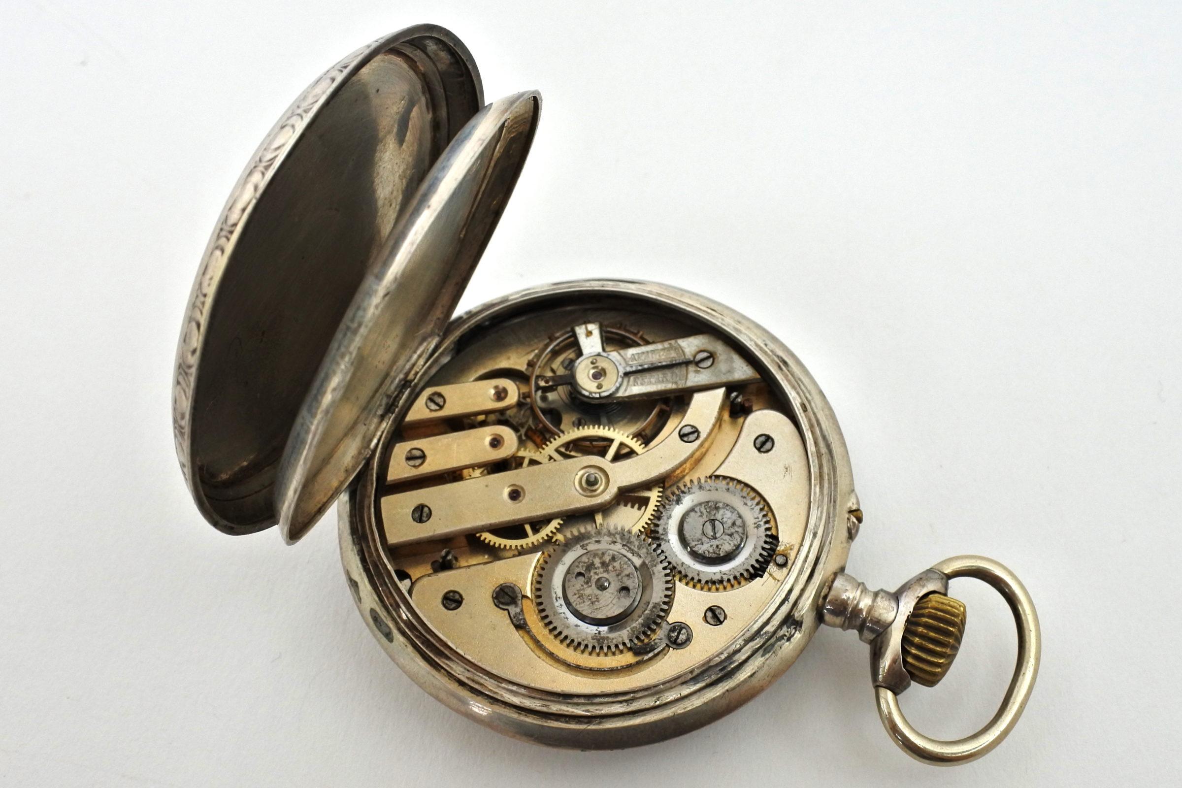 Orologio da tasca in argento con treno su quadrante - 3