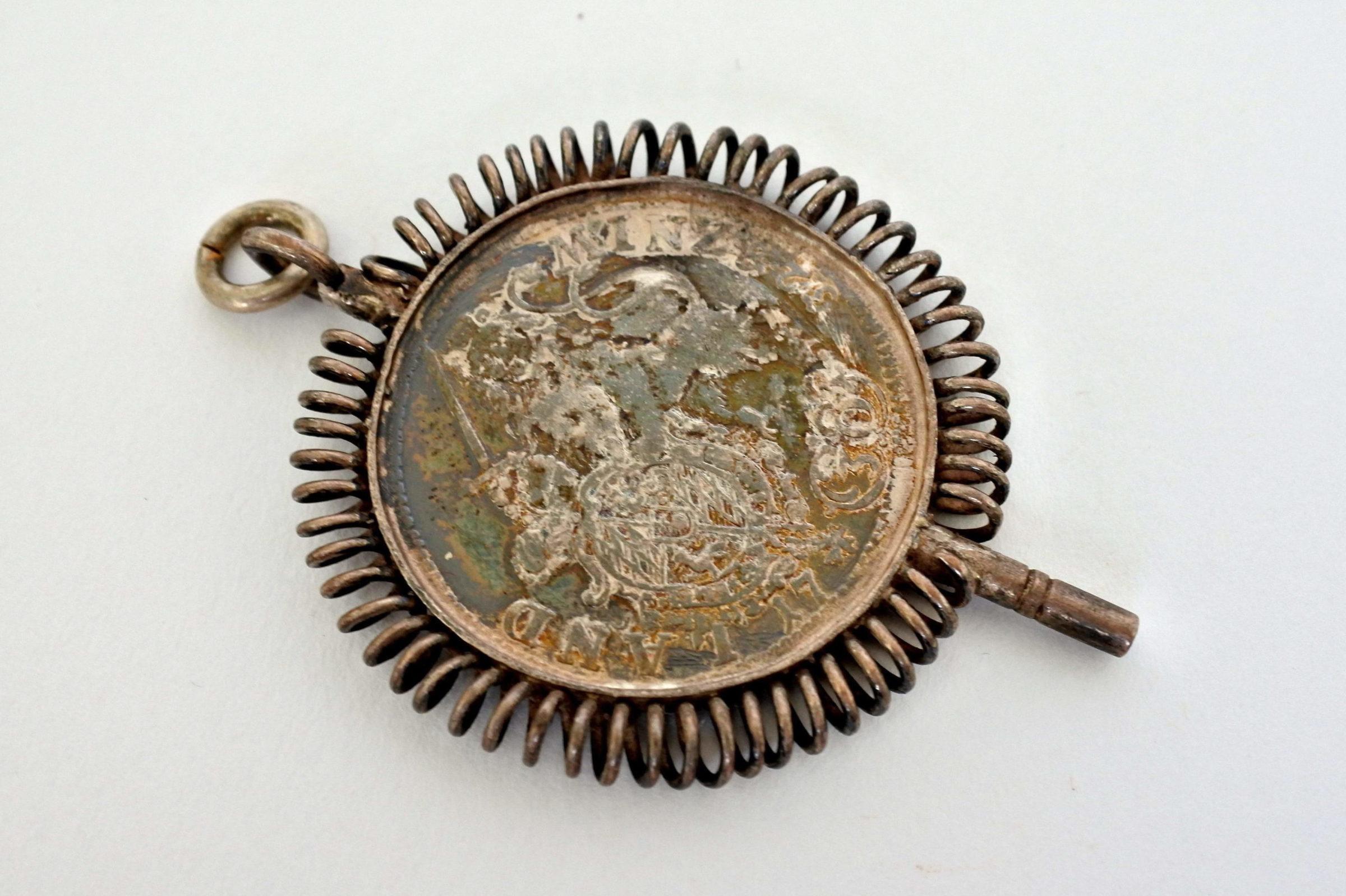 Chiavetta per orologio da tasca con moneta Carlo Alberto - 2