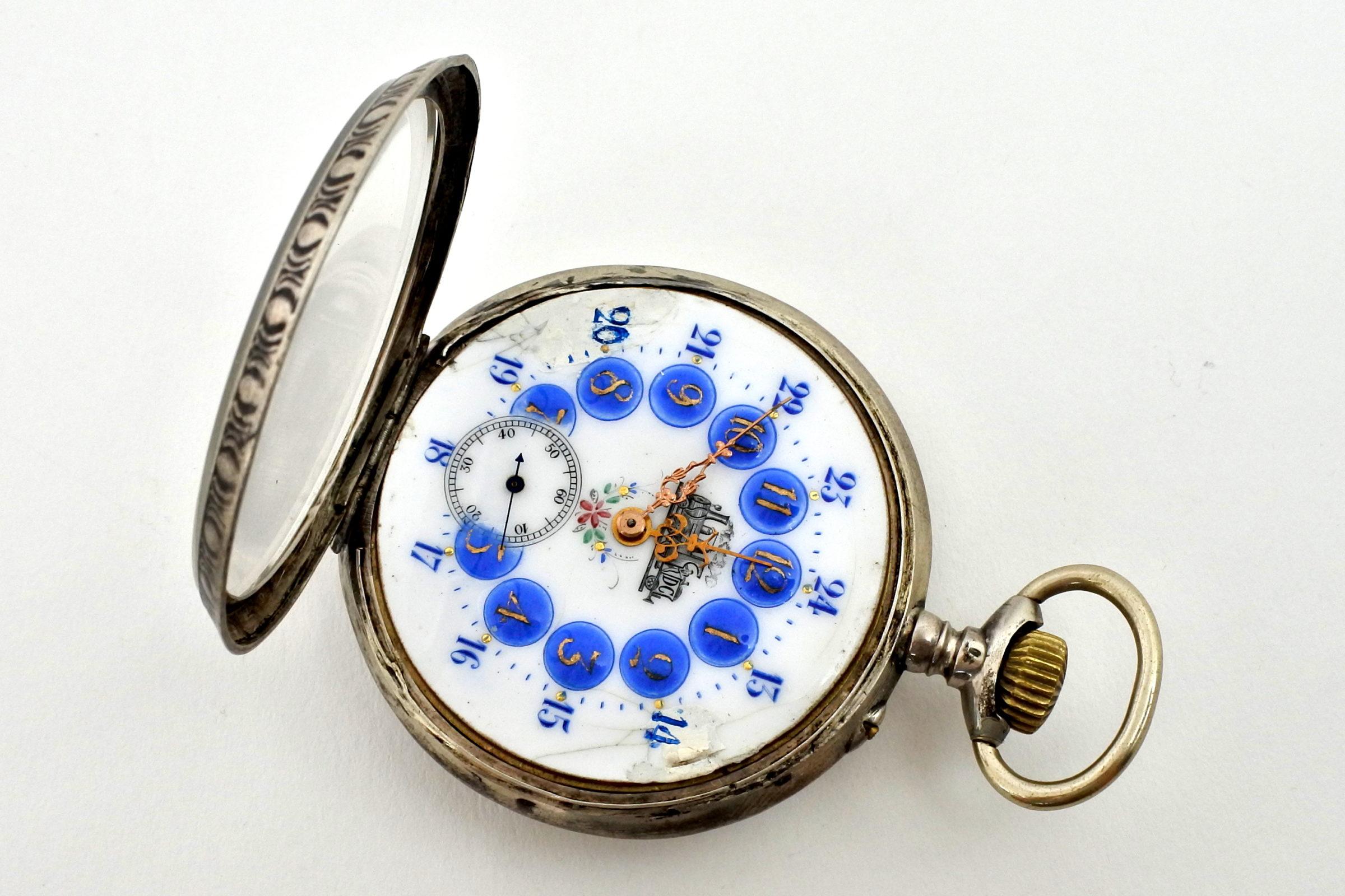 Orologio da tasca in argento con treno su quadrante - 5