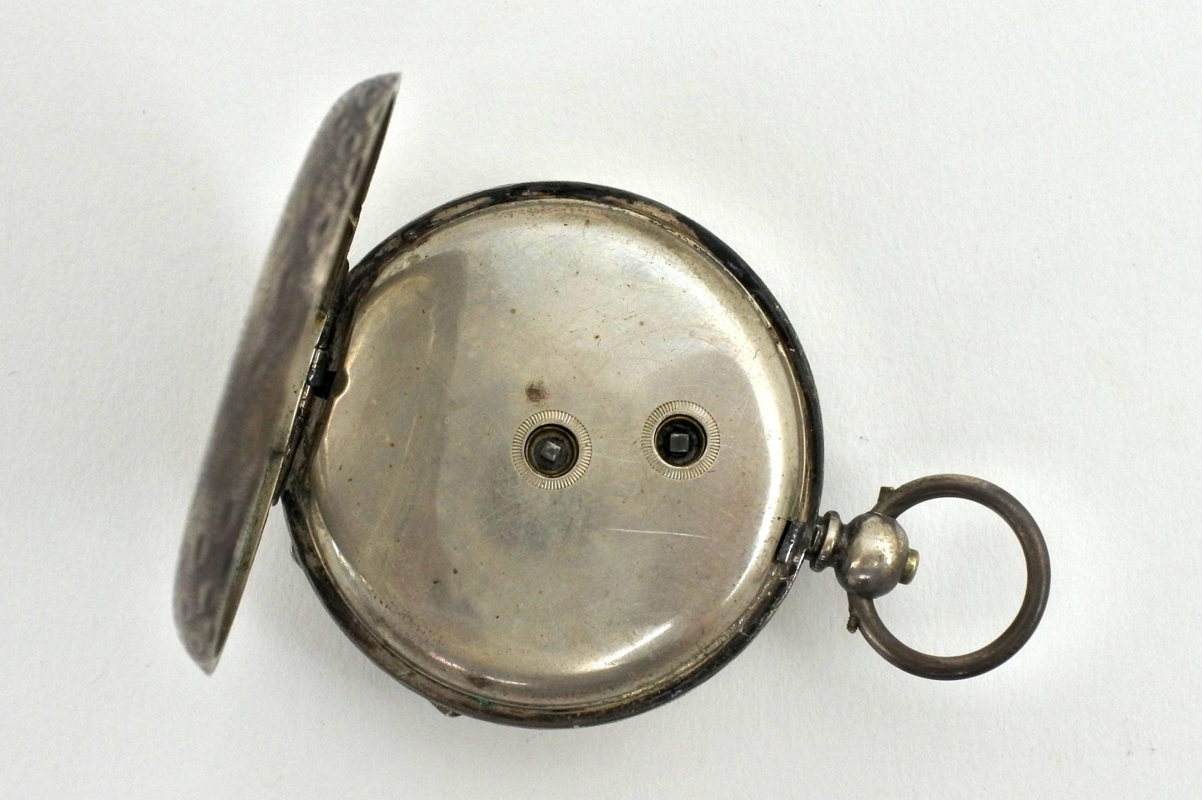 Orologio da tasca in argento con carica a chiavetta. Diametro cassa 40 mm - 2