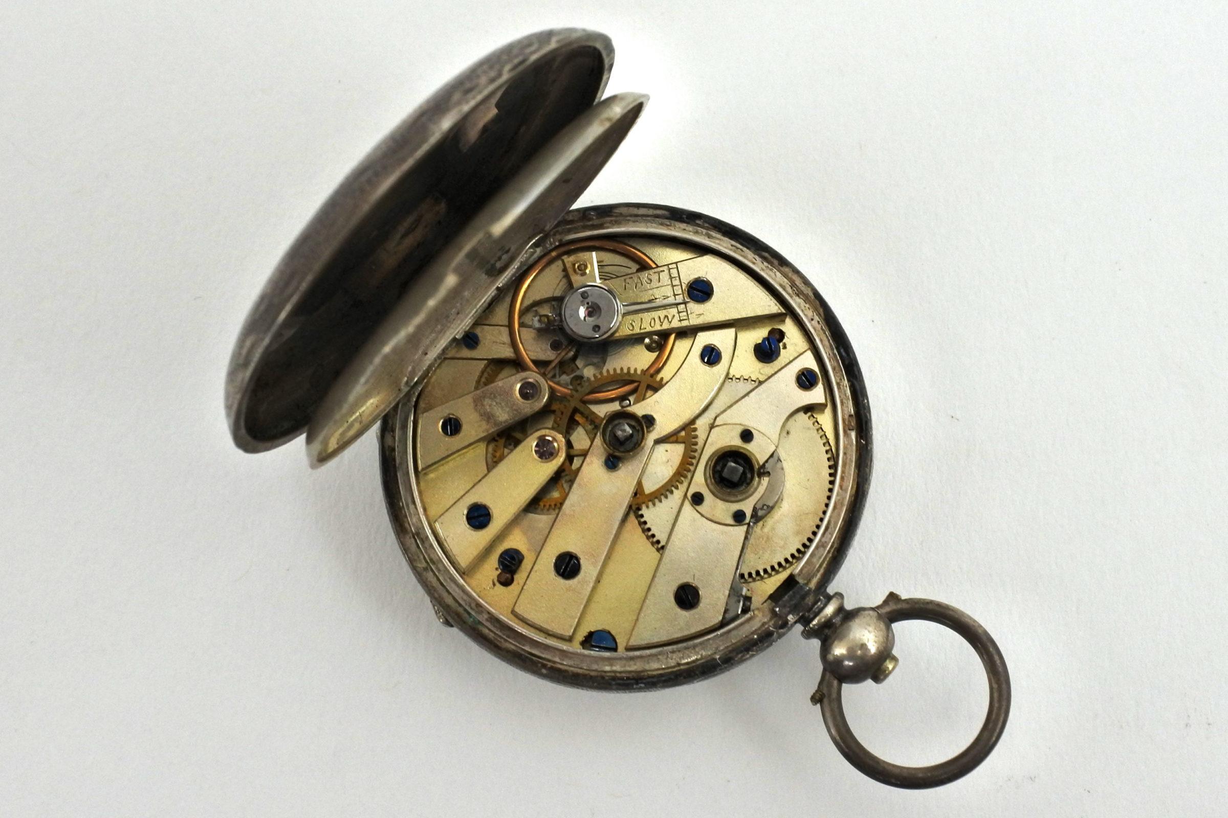 Orologio da tasca in argento con carica a chiavetta. Diametro cassa 40 mm - 3