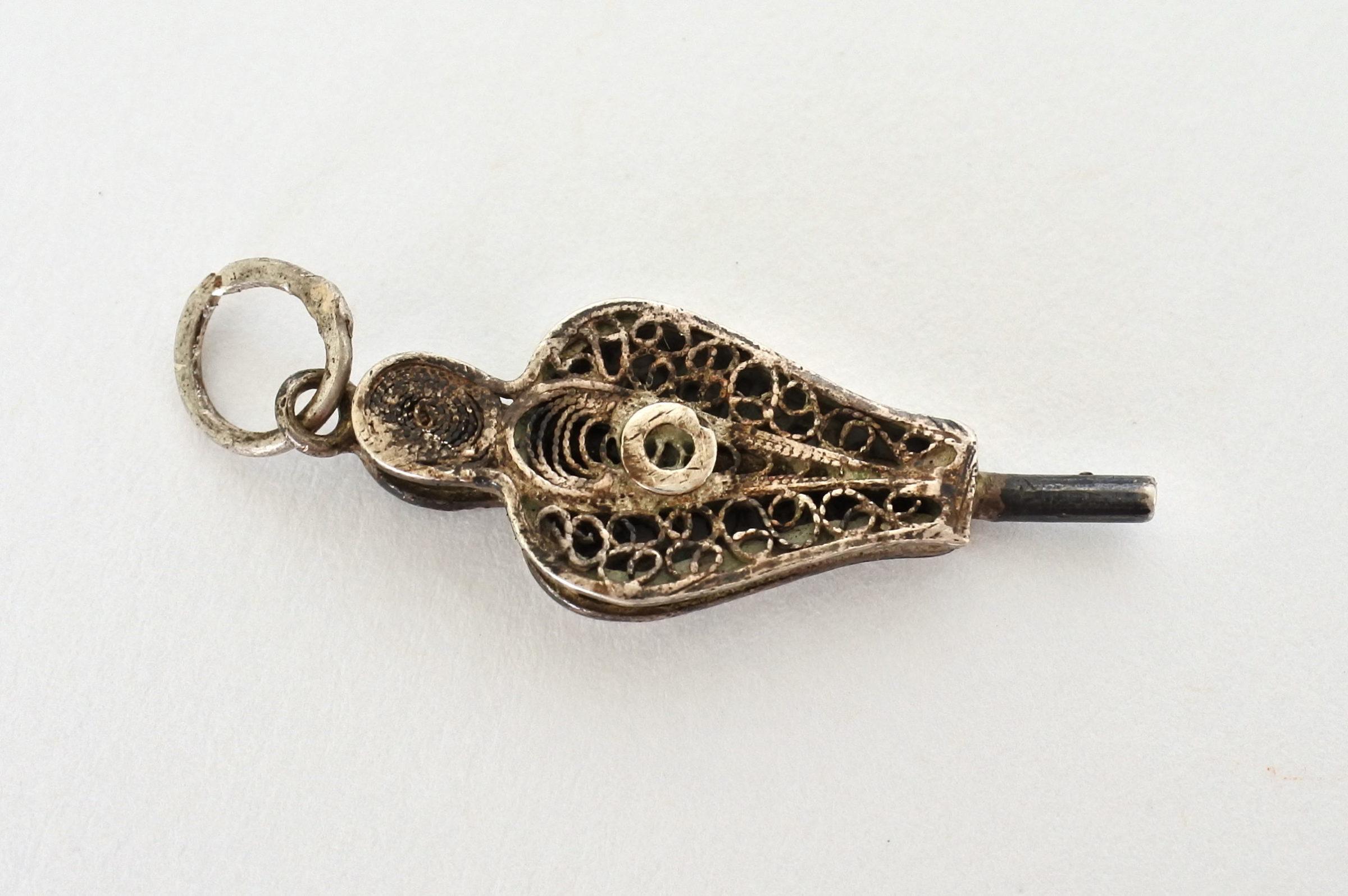 Chiavetta in filigrana d'argento per orologio da tasca