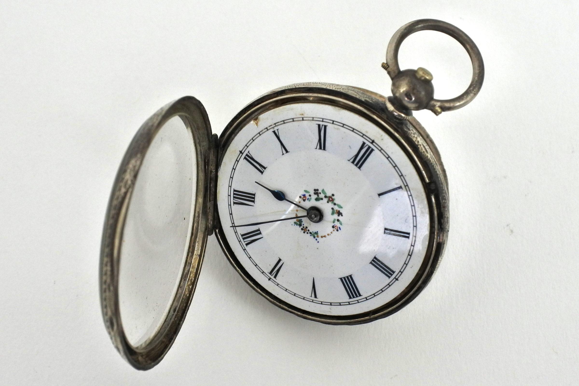 Orologio da tasca in argento con carica a chiavetta. Diametro cassa 40 mm - 4