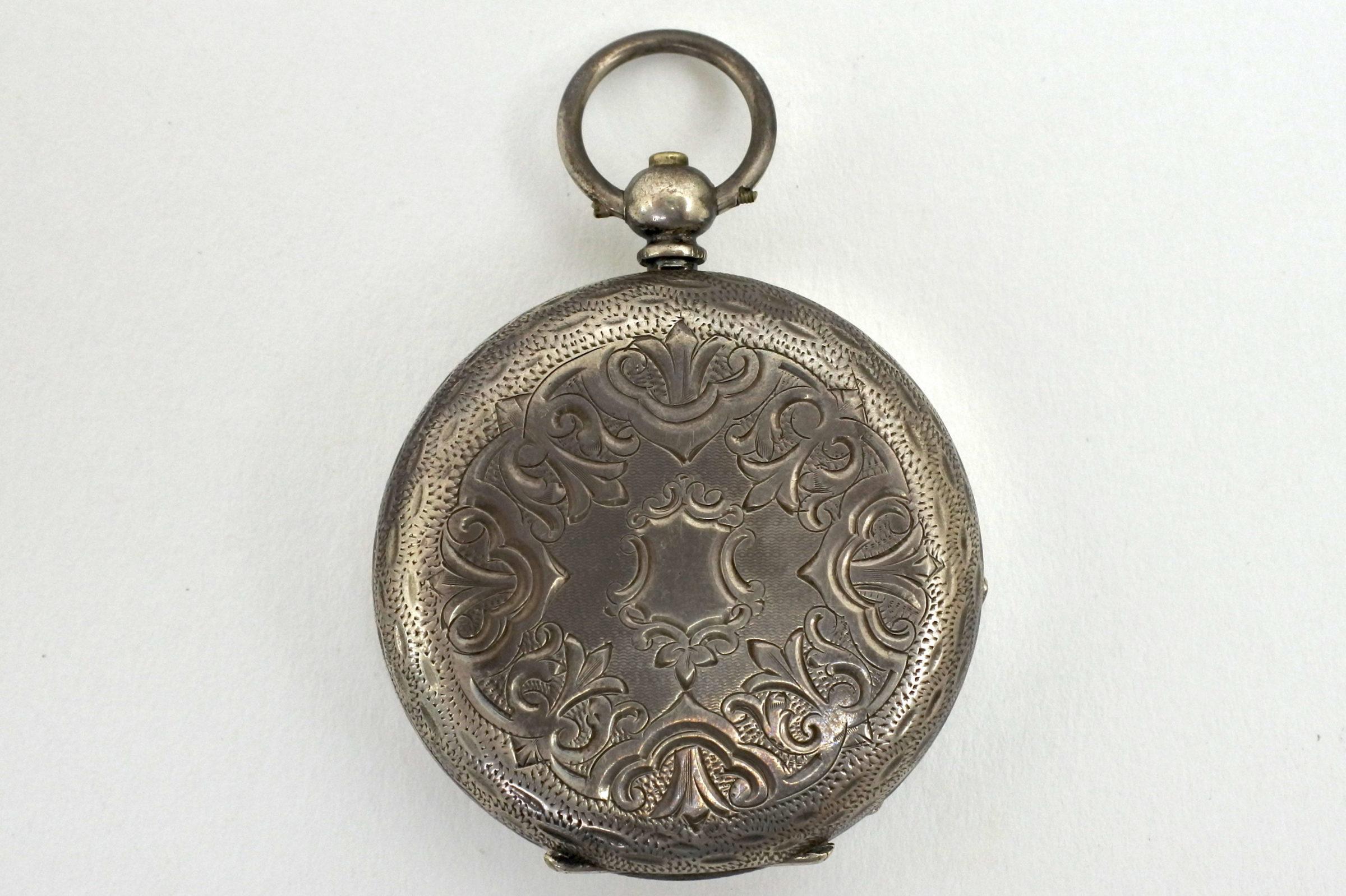Orologio da tasca in argento con carica a chiavetta. Diametro cassa 40 mm - 5