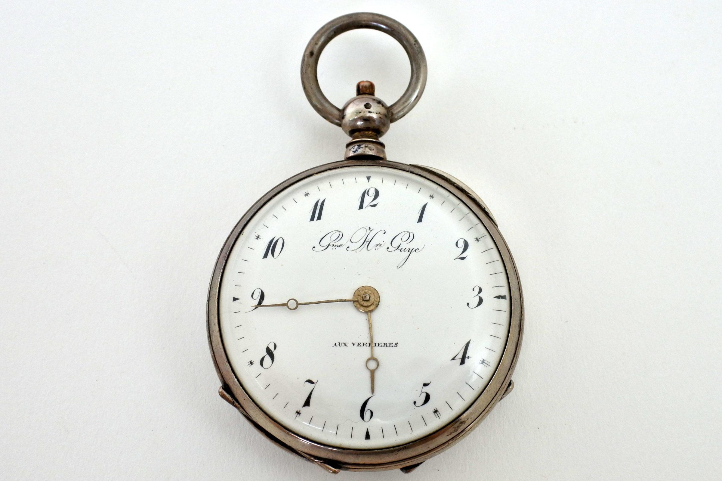 Orologio da tasca in argento con carica a chiavetta. Diametro cassa 55 mm