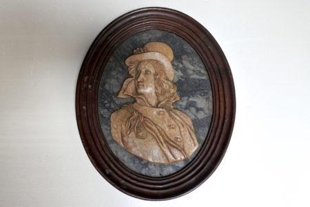 Scultura in marmo rappresentante Henri de La Rochejaquelein