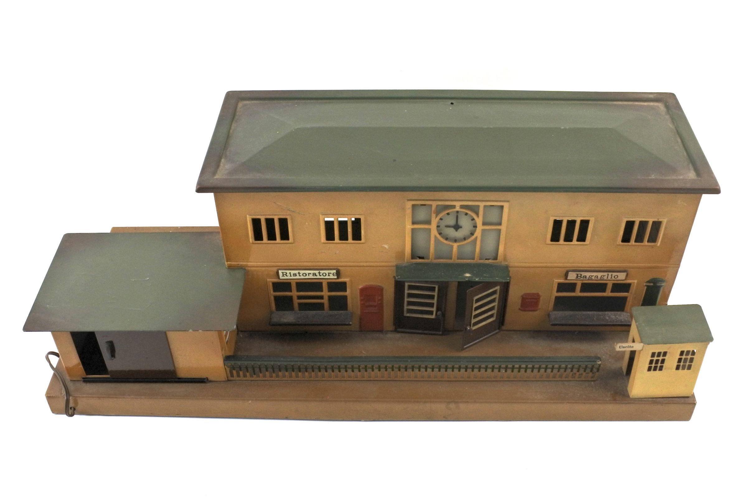 Antica stazione dei treni con ristorante e zona bagagli in latta policroma - Marklin - 2