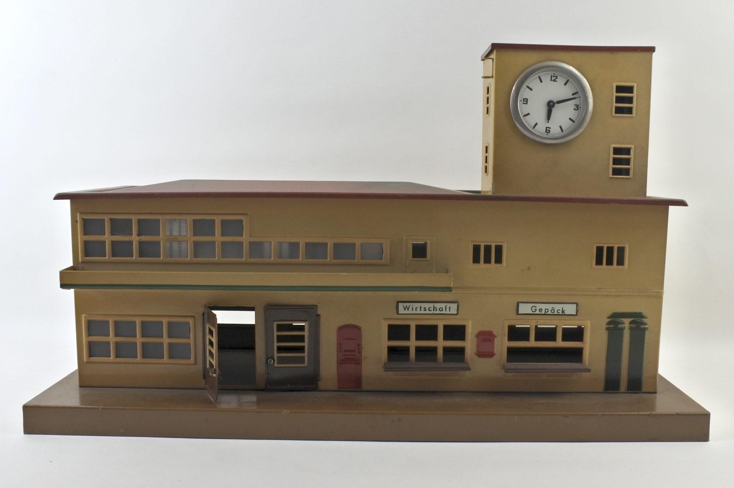 Antica stazione dei treni in latta policroma - Marklin