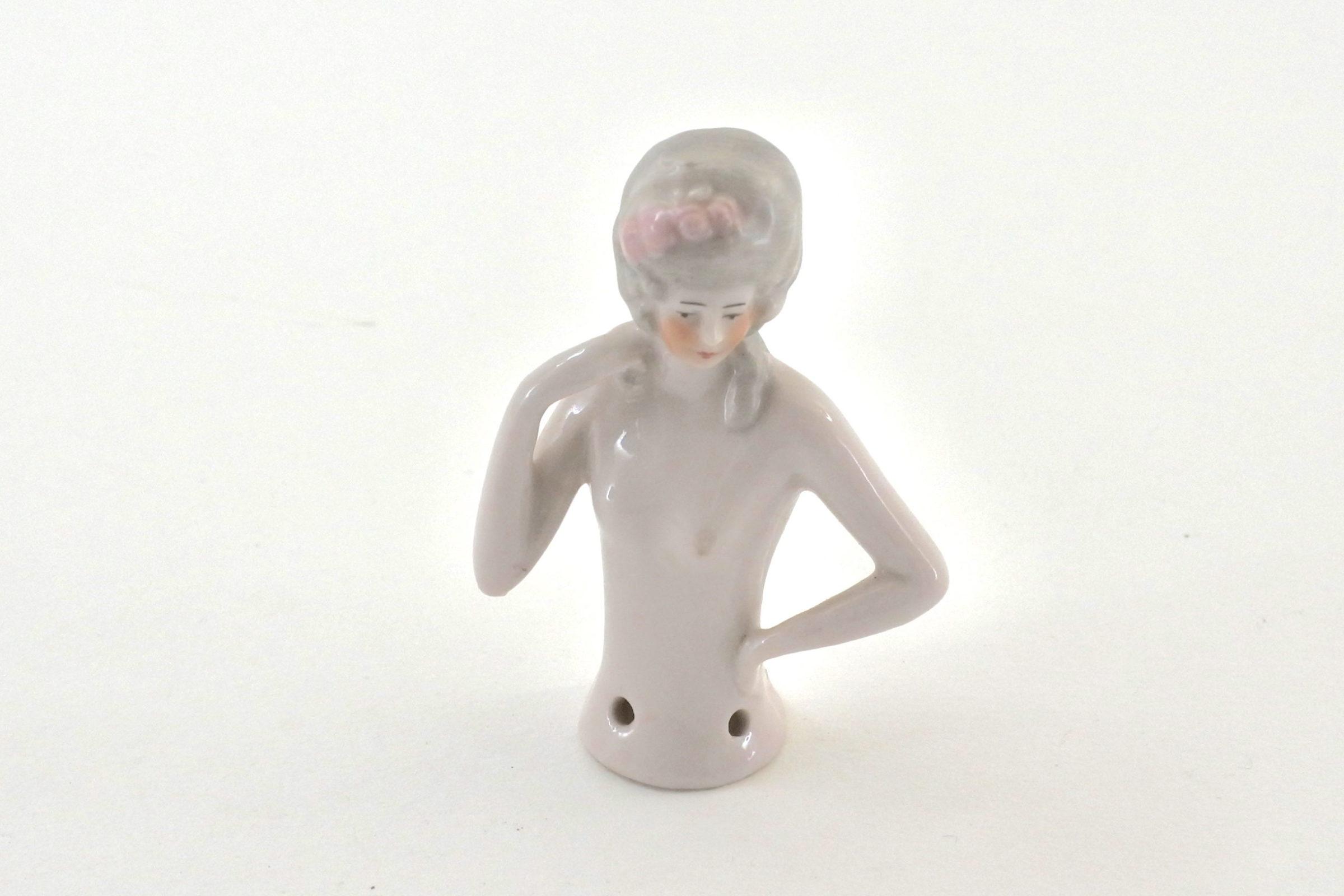 Demi poupée in ceramica - Altezza 6,6 cm