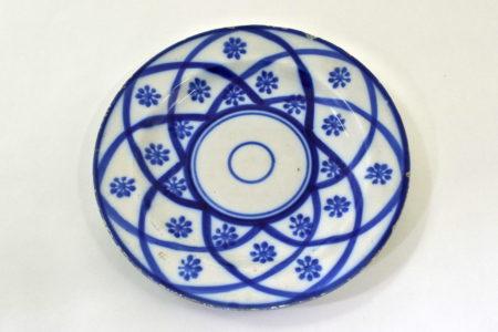 Piatto Mondovì con decoro geometrico blu - Gabutti Chiusa Pesio