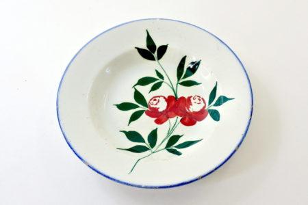Piatto Mondovì rappresentante un ramo con rose - Gabutti Chiusa Pesio
