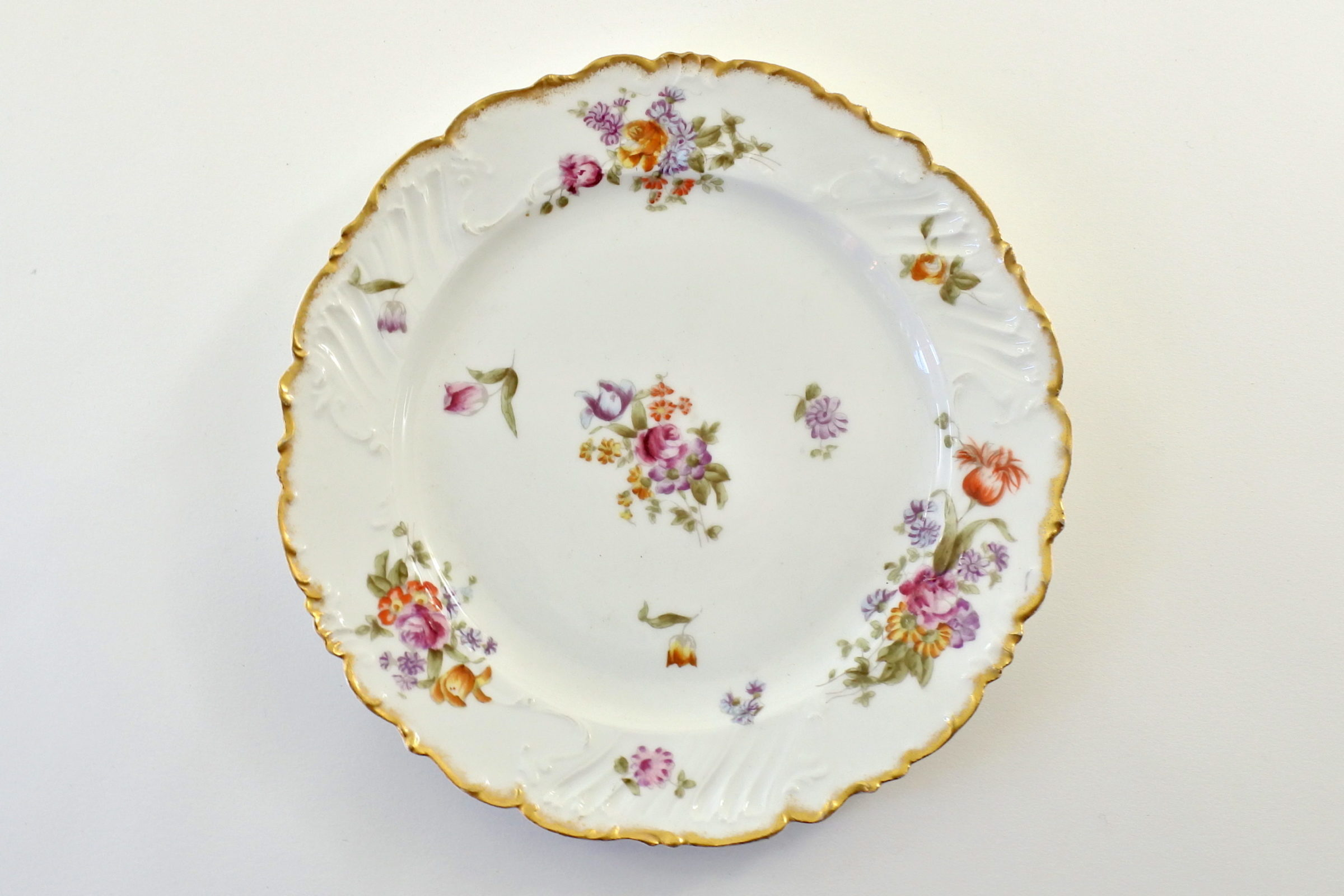 Piatto in porcellana Vecchia Parigi - Vieux Paris con tralci di fiori vari