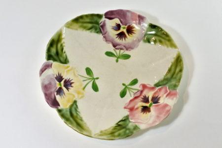 Piatto in ceramica barbotine - Manifattura Choisy le Roi