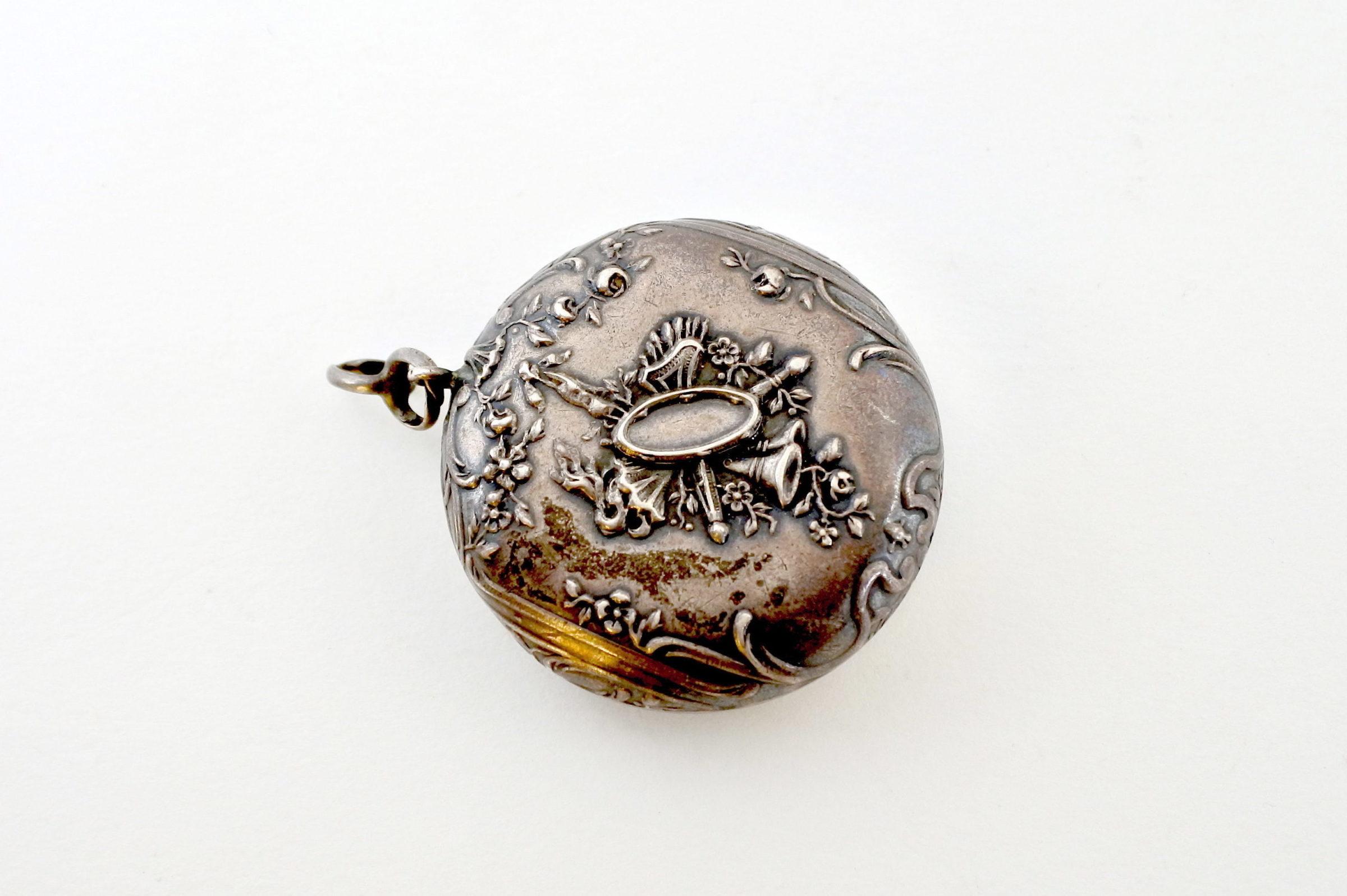 Portacipria in argento e vermeil con specchietto interno - 2