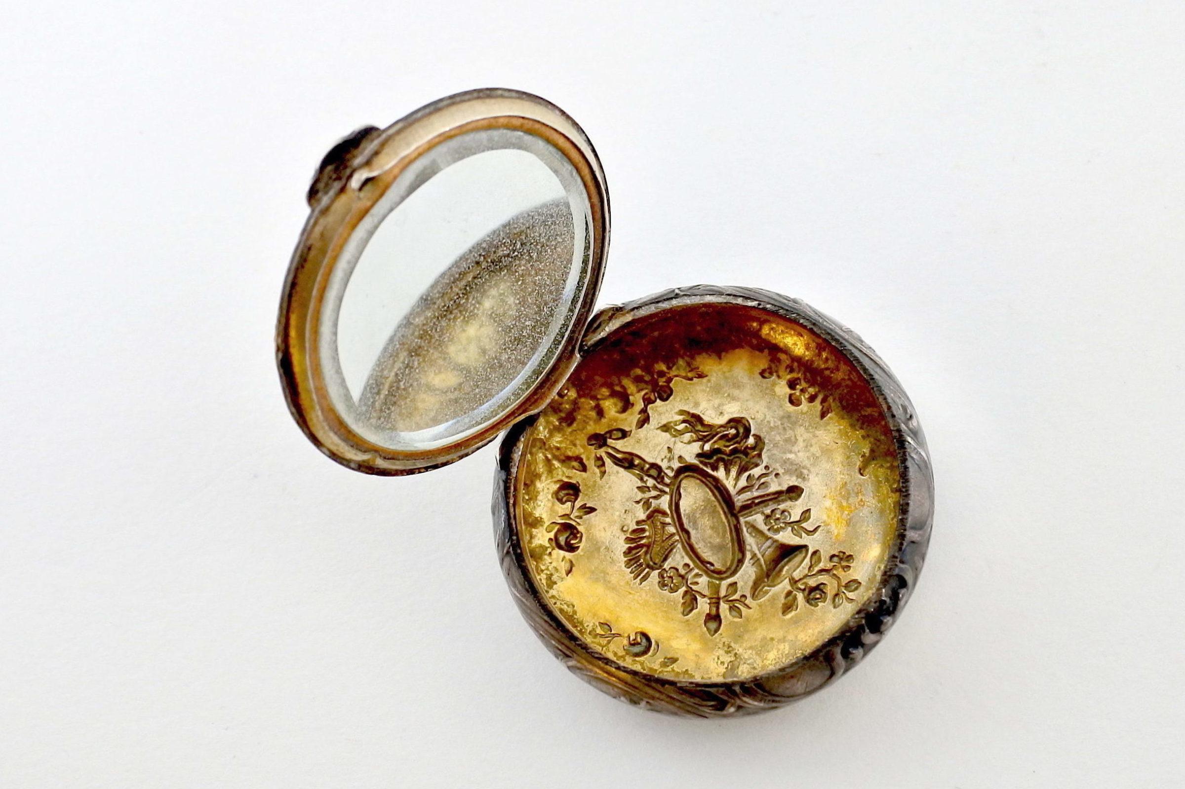 Portacipria in argento e vermeil con specchietto interno - 3