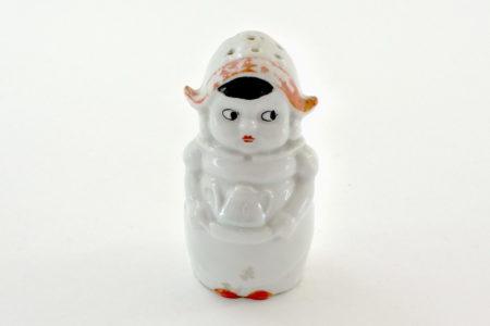 Portasale in ceramica a forma di cameriera