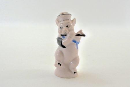 Portasale in ceramica a forma di maialino umanizzato
