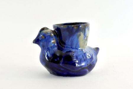 Portauovo in ceramica blu a forma di pulcino