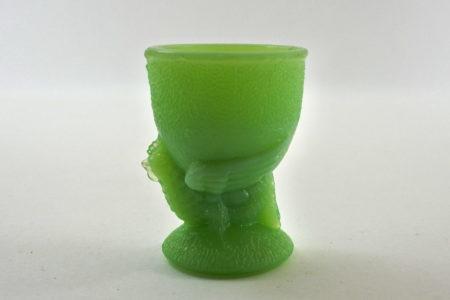 Portauovo in vetro opaline verde con uccellino