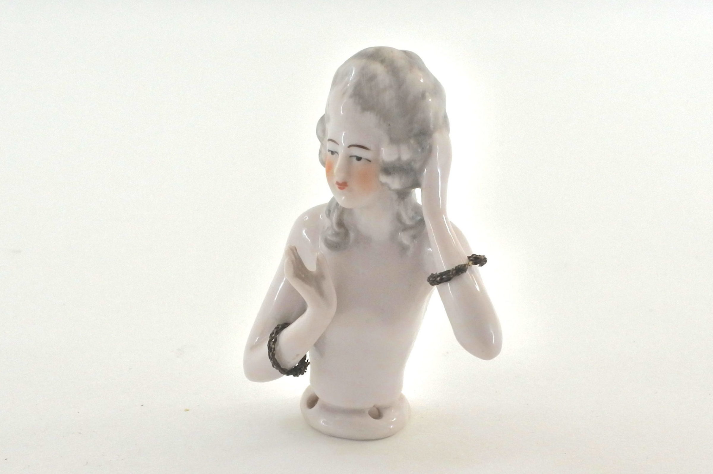 Statuina in ceramica mezzo busto di donna - demi poupée