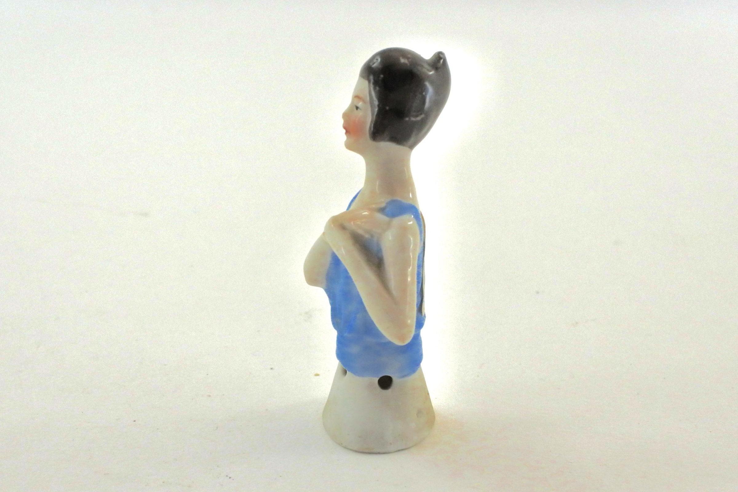 Statuina in ceramica rappresentante mezzo busto di donna - demi poupée - 2