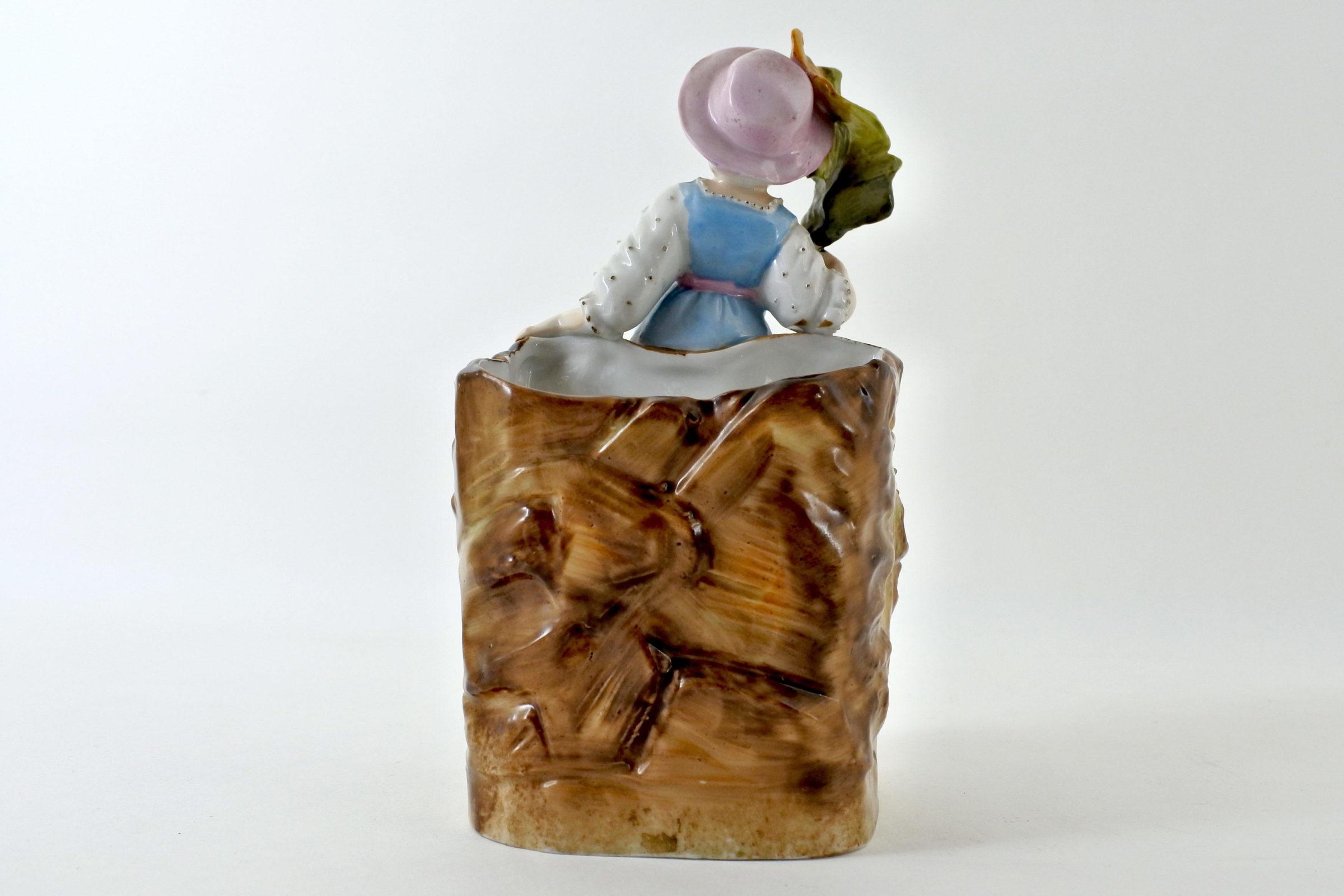 Statuina portafiori in ceramica a forma di bambina - 3