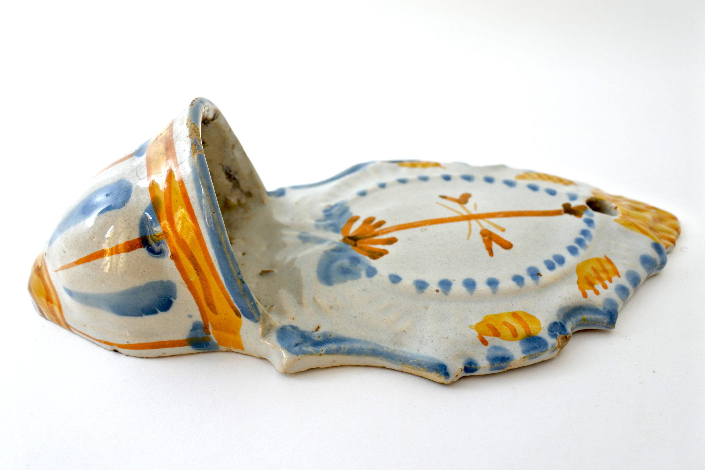 Acquasantiera in ceramica del XIX° secolo - Altezza 21,6 cm - 2