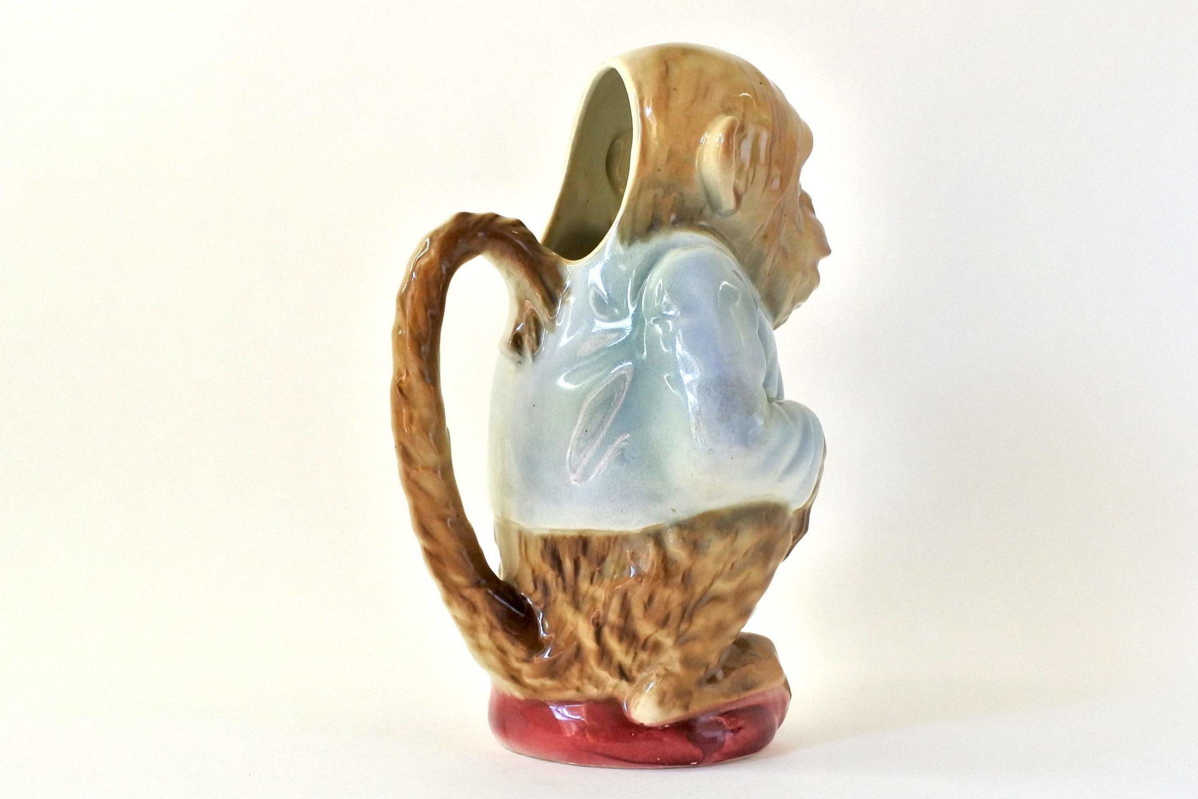 Brocca in ceramica barbotine con forma di scimmia - Saint Clément n° 435 - 4