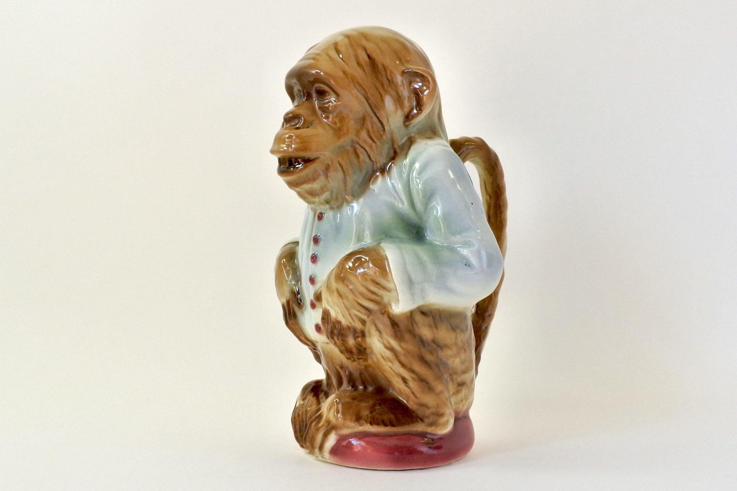 Brocca in ceramica barbotine con forma di scimmia - Saint Clément n° 435
