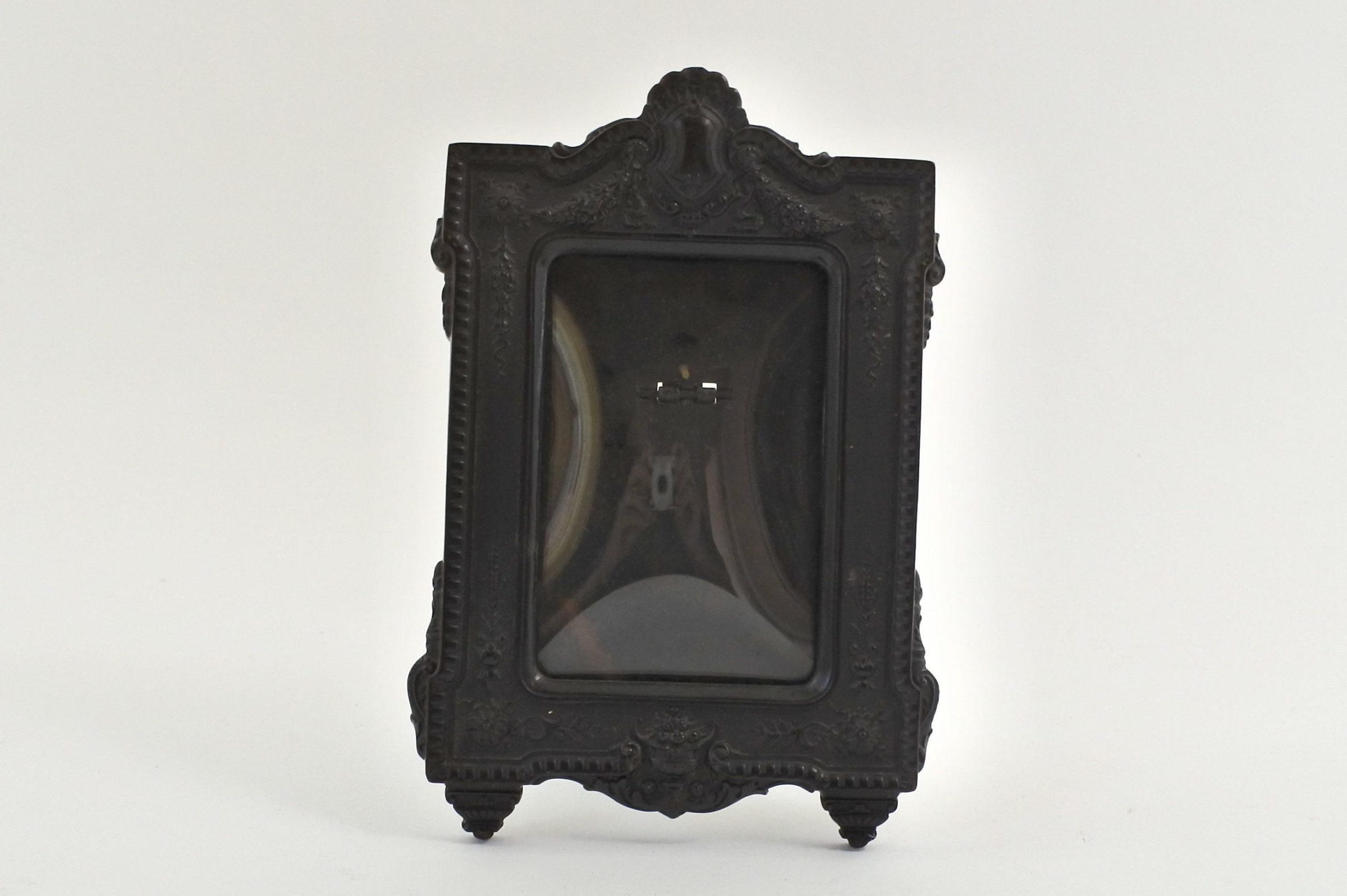 Cornice portafotografia antica in ebanite nera