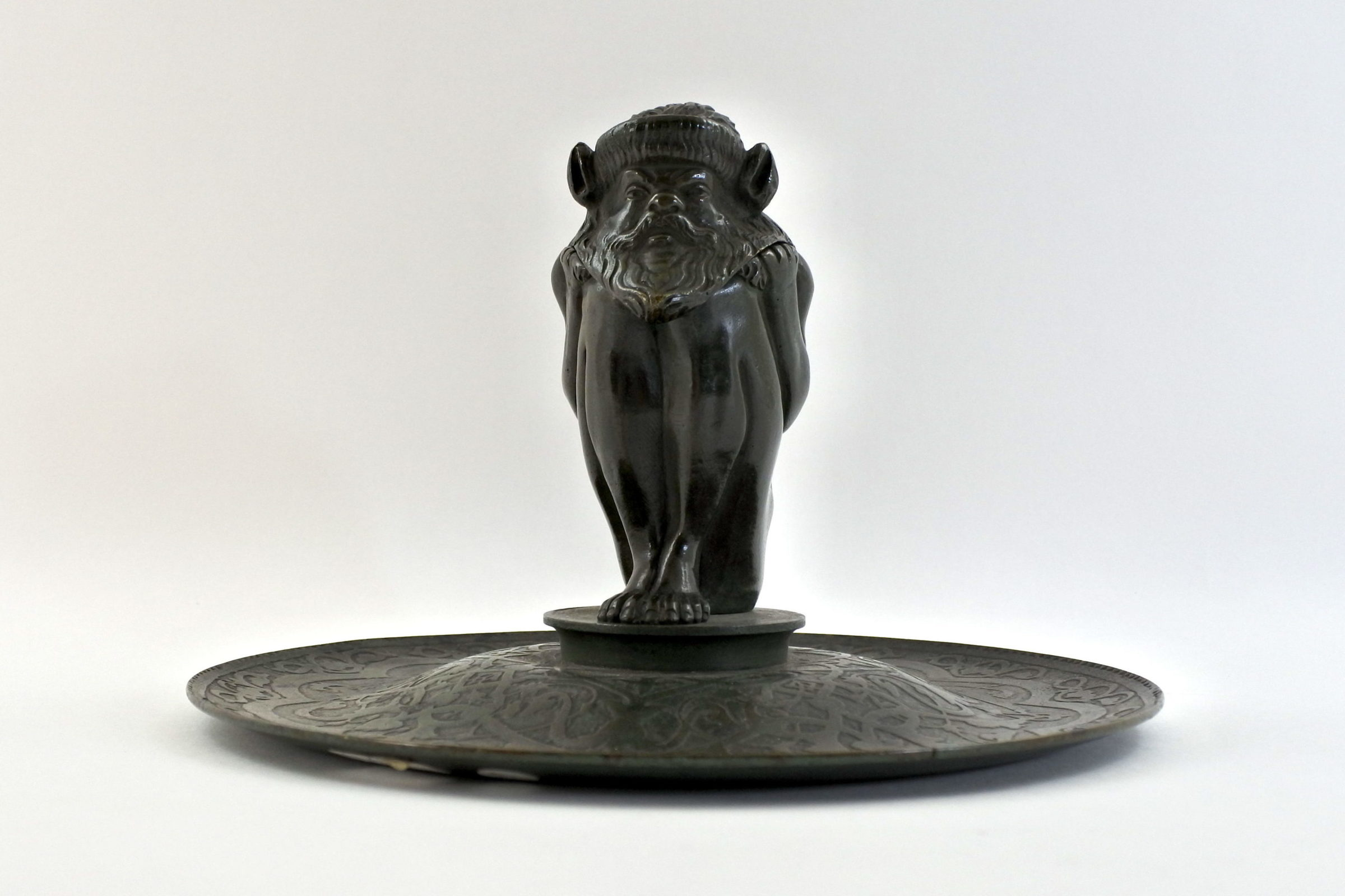 Calamaio in bronzo con presunto bafometto